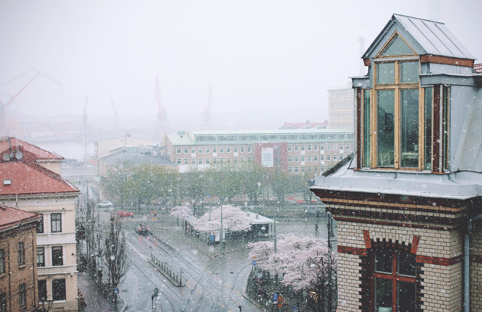snow-april-04